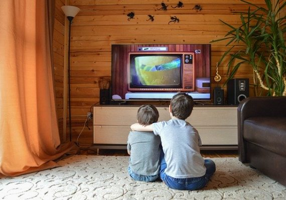 Cómo empaquetar una televisión para una mudanza